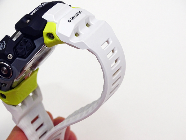 G-SHOCK GBD-H1000 Review, the First Heart Rate Sensor Enhanced, Specialized for Sports 2